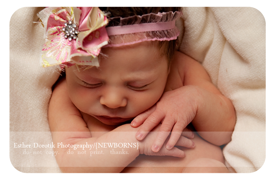 DFW-newborn-photographer-captures-baby-girl-with-headband