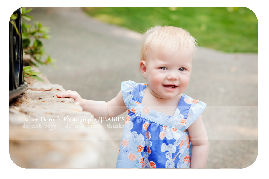 one-year-old-baby-girl-photograph-taken-at-Dallas-Arboretum