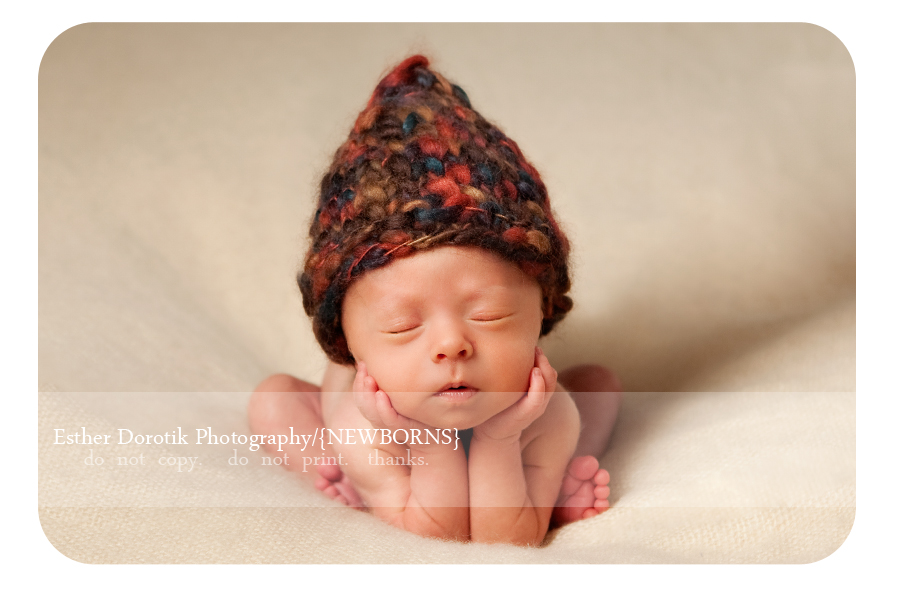 newborn-pose-of-hands-under-chin-by-dallas-baby-photographer