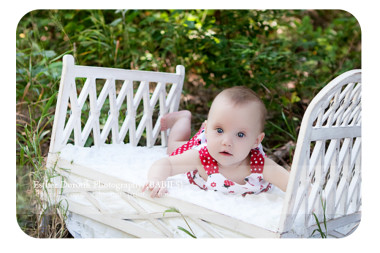 6-month-baby-girl-photo-session-outdoor-by-Dallas-photographer