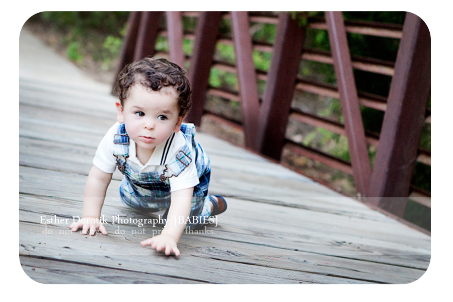 infant-photography-of-baby-boy-crawling-on-bridge