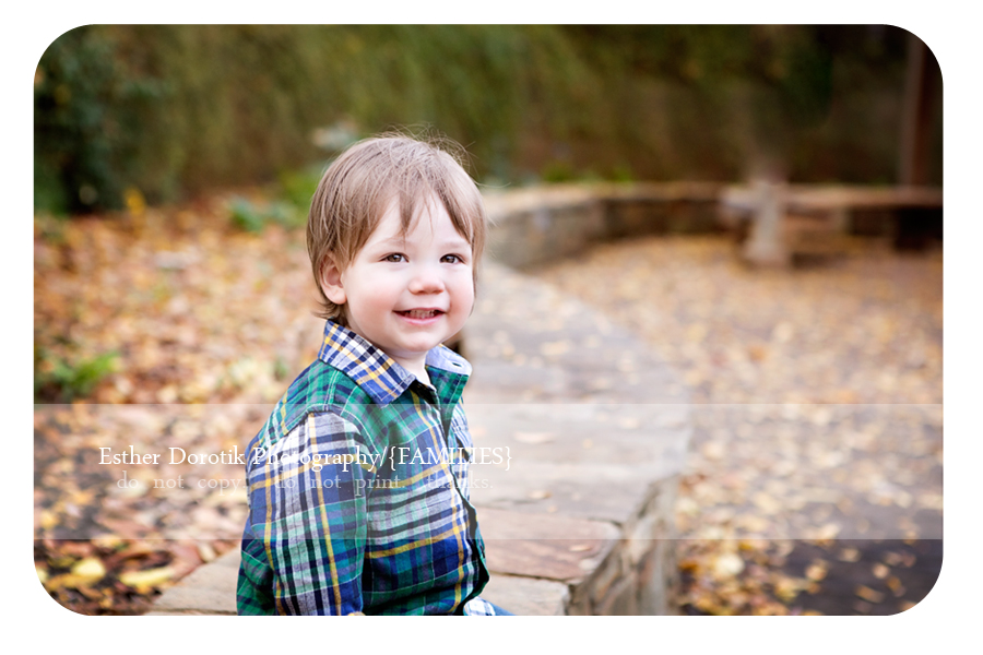 fall-family-photography-session-outdoor-with-leaves-everywhere-and-baby-boy-laughing