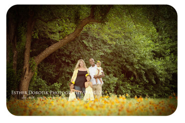 family-photo-session-with-twins-and-one-year-old-in-beautiful-wildflower-field