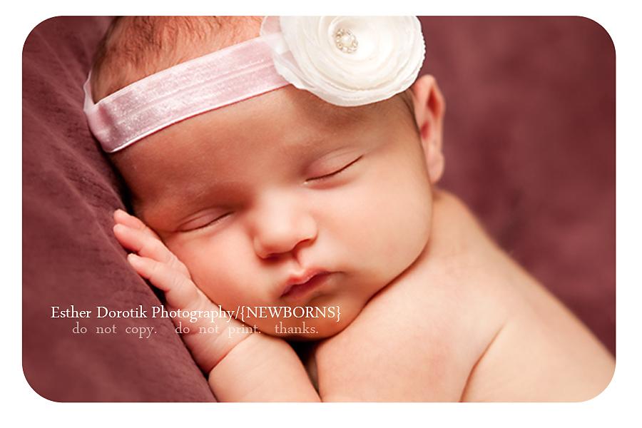 close-up-of-newborn-baby-face-taken-by-dallas-newborn-photographer