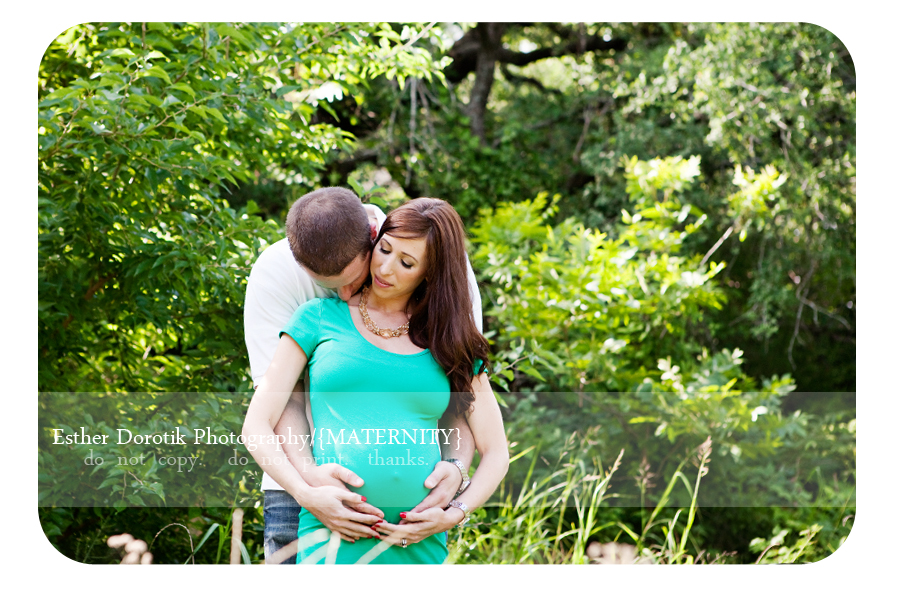 unique-couple-maternity-picture-outdoors-in-field