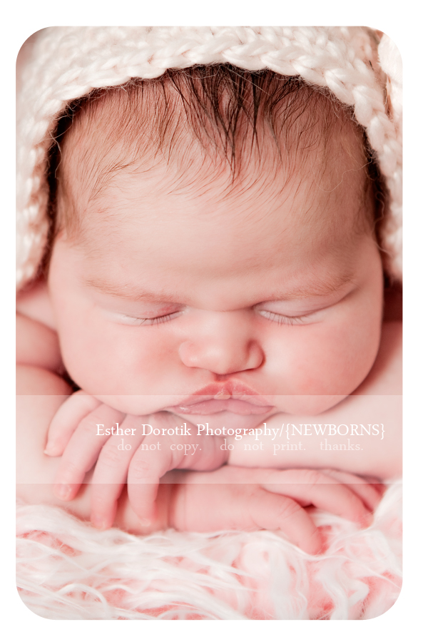close-up-picture-of-newborn-baby-girl-face-by-Dallas-baby-photographer