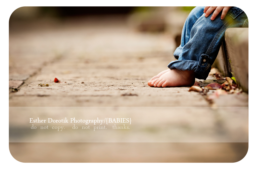 unique-outdoor-photography-session-taken by-Dallas-infant-photographer