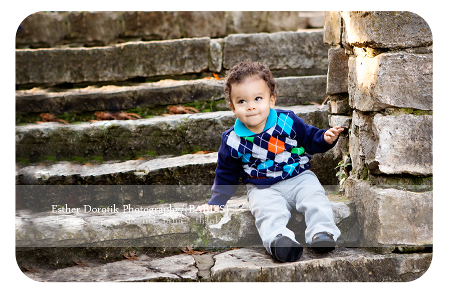 funny-face-picture-of-one-year-photography-session-by-Dallas-Fort-Worth-infant-photographer