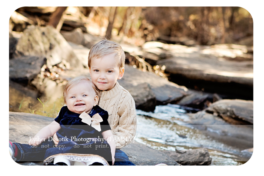 children-photograph-of-brother-holding-his-sister-for-family-photography