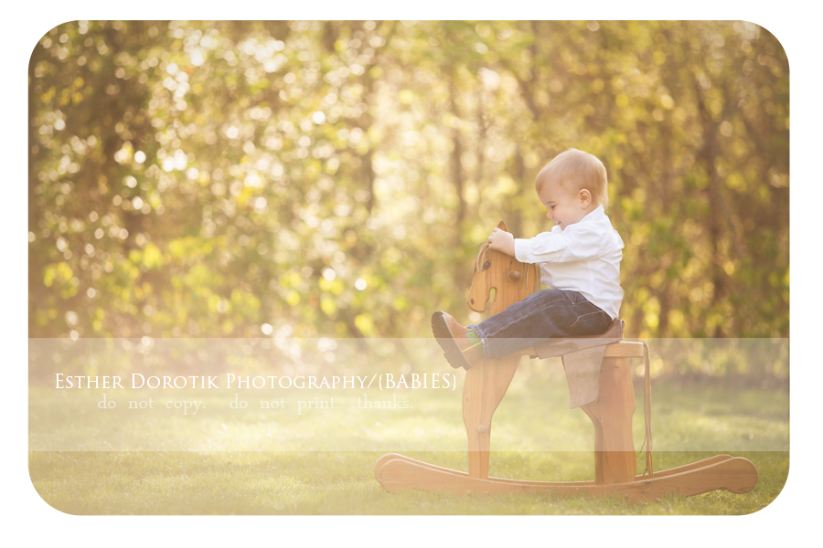 unique-outdoor-infant-photography-by-Southlake-baby-photographer-with-rocking-horse